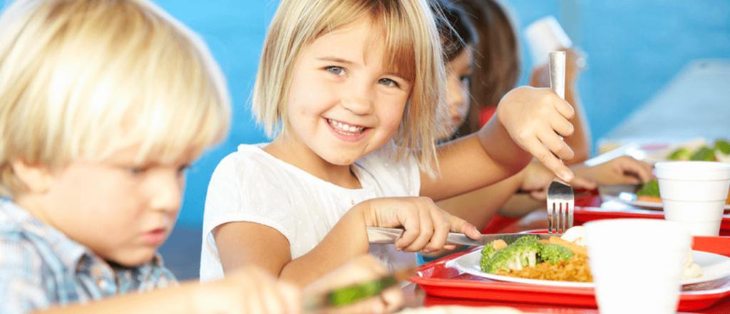 Líderes en servicio de comedor escolar